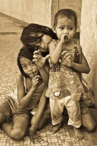 1169694_girls_on_the_street_1