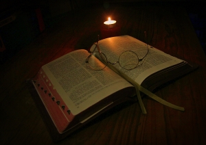 Candle-light-reading-1439638-m